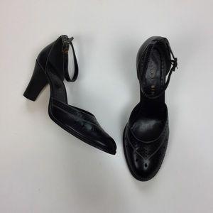 Gianni Bini Women's 8 M Heels Black Leather